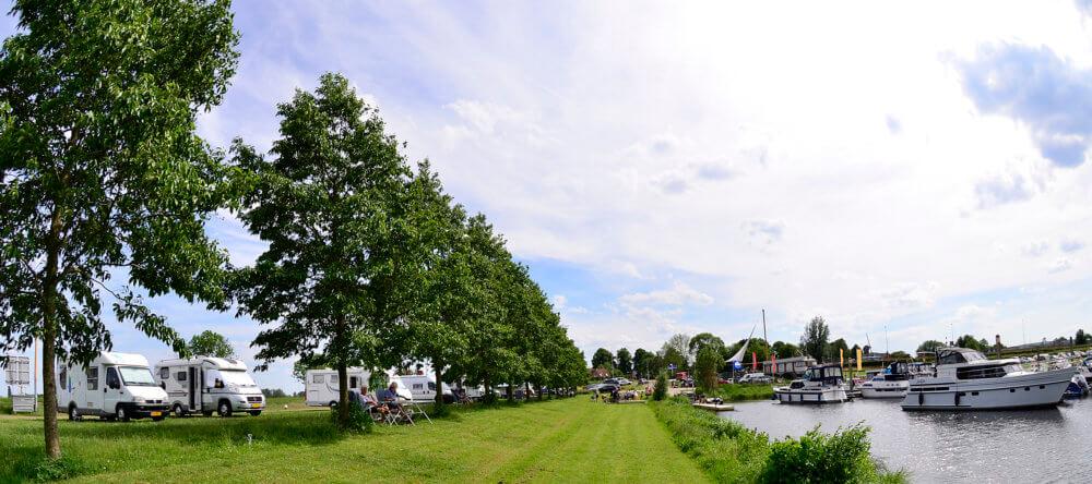 Camperplaats bij jachthaven Hattem